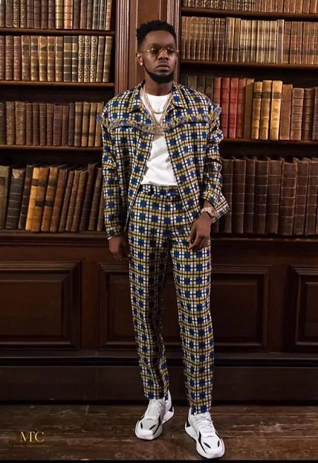 Nigerian Singer Patoranking Awards Full Scholarship To 10 African Students